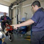 Pasar la ITV tras limitar tu moto